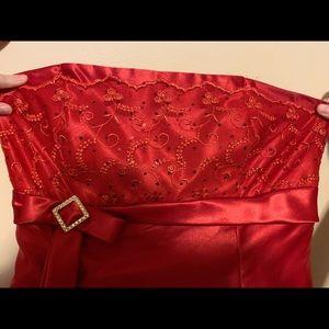 Red Gunne Sax Prom Dress